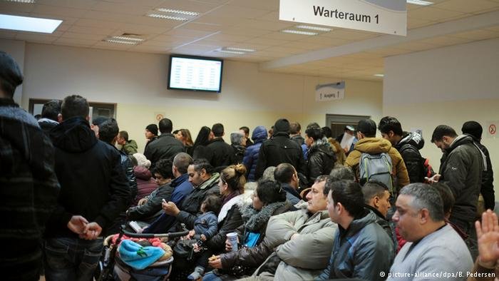 قاعه الانتظار لتقديم طلبات اللجوء في برلين