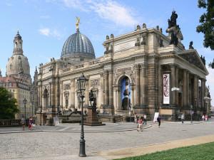 أكاديمية دريسدن للفنون البصرية، هي أقدم أكاديمية فنية في ألمانيا، تأسست عام 1764